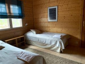 Villa-Helmi-makuuhuone3